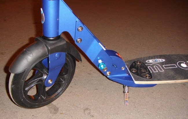 Top Scooter For Adults Micro Flex Blue Front Fender Detail - Review